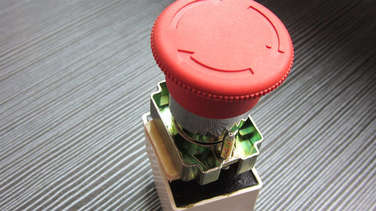 详细信息: 规格: BXD-2防爆急停按钮。矿用隔爆型按钮,急停按钮,防爆按钮,双头按钮,信号灯,信号灯带按钮,防爆信号灯,防爆消防按钮,防爆主令控制按钮,防爆控制按钮,防爆控制按钮。 主营产品有:防爆配电箱,防爆操作柱,防爆挠性连接管,防爆灯,防爆开关,防爆应急灯,防爆荧光灯,防爆声光报警器,防爆航空障碍灯,防爆断路器,防爆电磁起动器,防爆插销,防爆转换开关,防爆行程开关,防爆控制按钮,防爆视孔灯,防爆控制箱,防爆防腐操作柱,防爆防腐配电箱,防爆防腐灯,增安型防爆灯,防爆摇头扇,玻璃钢防爆风机,防爆管接